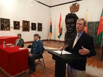 """Especialistas demuestran  los """"mitos"""" de la historia"""