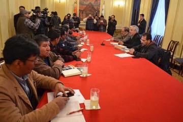 Gobierno garantiza que la COB no romperá pacto