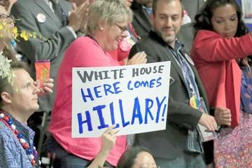 Hillary hace historia al ser nominada candidata