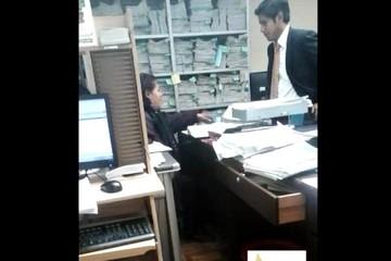 El Alto: Graban a secretaria de Juzgado recibiendo dinero de litigante