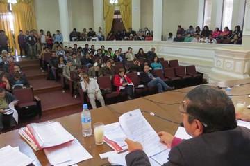"""Consejo de la """"U"""" sesiona en medio de movilización"""