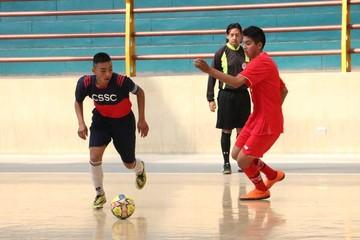 Futsal y voleibol en juego