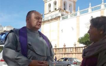 Confesores salen a la calle en busca de los feligreses