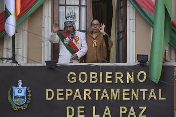 Tras 12 días de huelga de hambre, el gobernador Patzi es evacuado al Hospital de Clínicas