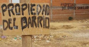 Vecinos recuperan terreno tras usurpación de privado