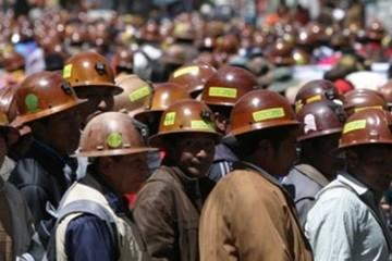 Cooperativistas mineros ratifican bloqueo indefinido desde mañana