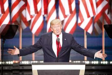 Trump enciende alarma al hablar sobre armas
