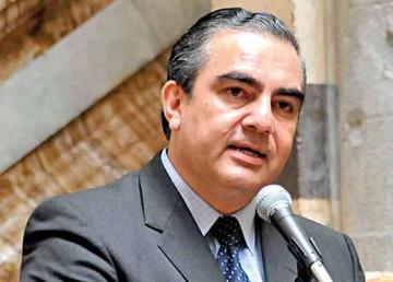 Siles apoya debate de pacto fiscal hasta 2017
