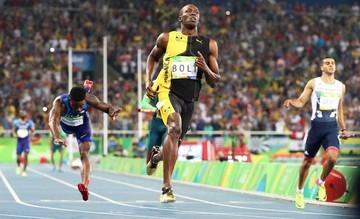 Bolt suma otro oro y agranda su leyenda