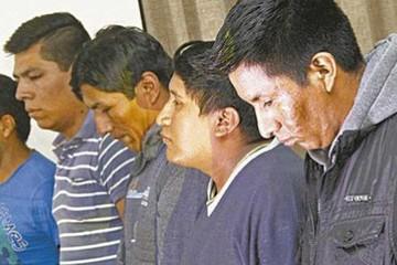 Arrestan a policías en Santa Cruz por presunta extorsión