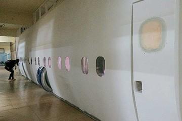 Argentino sorprende con aula que replica un avión