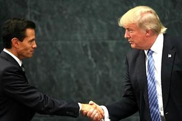 """Trump expresa """"gran respeto"""" a los mexicanos, pero defiende muro en frontera"""