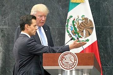 """Trump """"respeta"""" México pero insiste en el muro"""