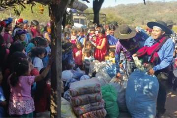 Entregan ayuda a pobladores de Tentayape