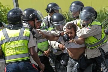 Venezuela: La oposición demanda el revocatorio