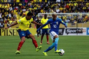 Brasil golpea a Ecuador