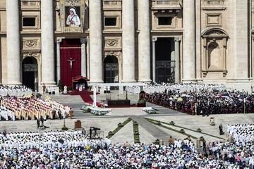 Canonizan por primera vez a premio nobel de la paz