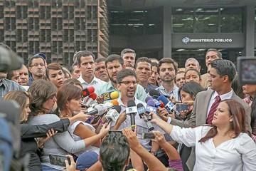 Venezuela: La oposición denuncia persecuciones