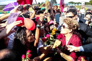 Dilma abandona Brasilia y comienza nueva etapa