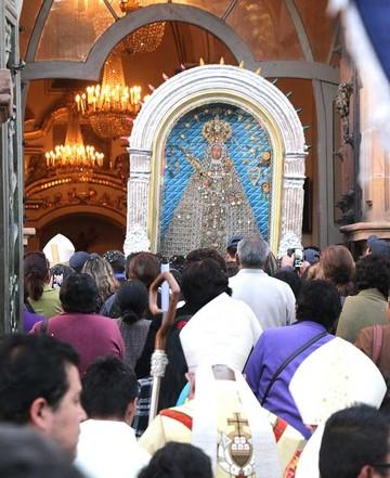 La entronización de la Virgen de Guadalupe