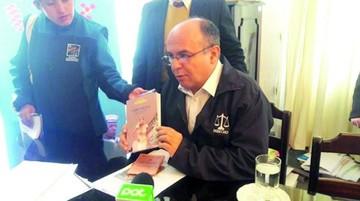 Ferreira: Los medios atacan y los políticos acompañan