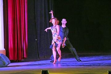 Danza de gala y jazz cautivan a centenares de espectadores