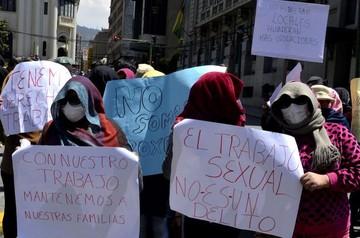 Trabajadoras sexuales se declaran en emergencia por cierre de locales