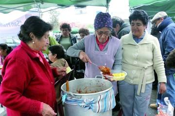 Adultos mayores prueban su habilidad gastronómica