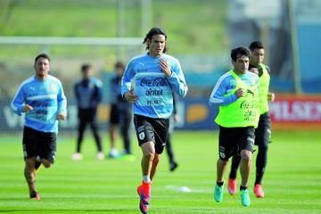 Uruguay pone en juego su liderato ante la Vinotinto