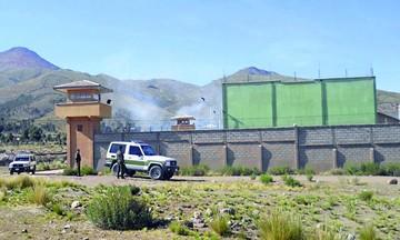 Frenan amotinamiento de reos en Cantumarca