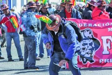 La Paz: COD marcha contra la norma que prohíbe uso de explosivos