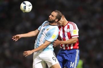 Una Argentina deslucida pierde ante Paraguay que marcó con Derlis González
