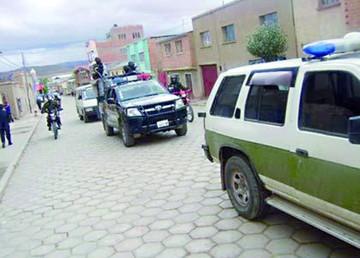 Sindican a 6 policías por muerte de mujer