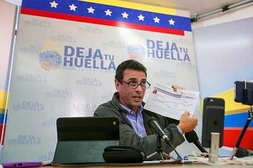 """Capriles advierte """"locuras"""" de Maduro"""