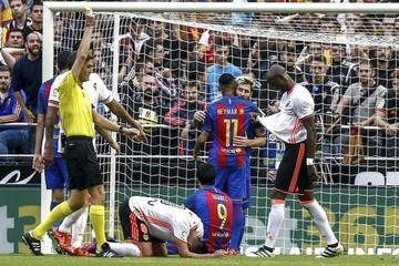 Un penal en el minuto final da el triunfo al Barça en un duelo intenso