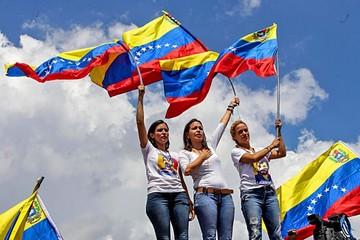 Venezuela: Mujeres piden la destitución de Maduro