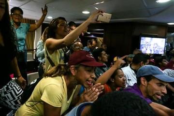 Protesta estudiantil por suspensión de revocatorio en Venezuela deja heridos