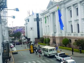 Piden paralizar convocatorias para más jueces