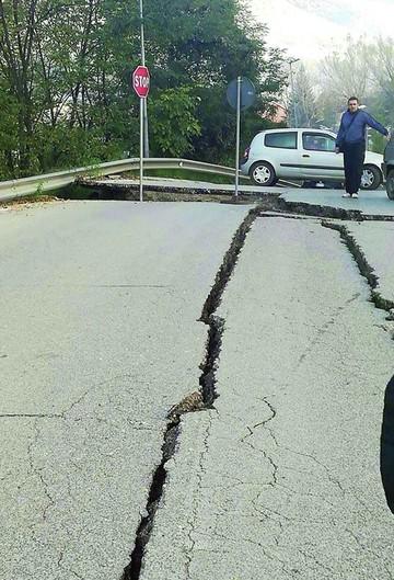 Italia: Nuevo sismo eleva la cifra de damnificados