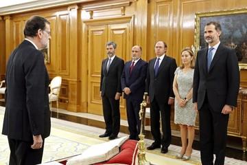 Mariano Rajoy jura como presidente y prepara su nuevo Gobierno en España