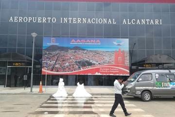 Anuncian proceso penal contra la empresa que construyó el aeropuerto Alcantarí