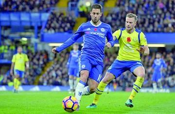 Chelsea asume el liderato