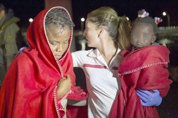 Rescatan a más de 2.200 inmigrantes del Mediterráneo