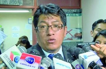 Investigan a fiscal Saravia sindicado de supuesto cobro