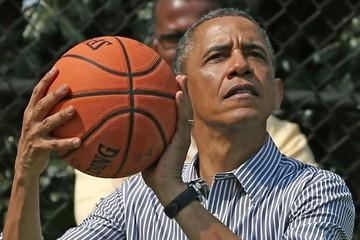 Obama cumple con su ritual partido de baloncesto en la jornada electoral