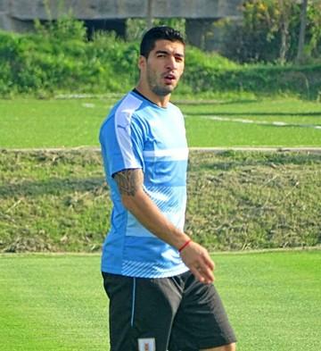 Uruguay cumple práctica con todos sus convocados