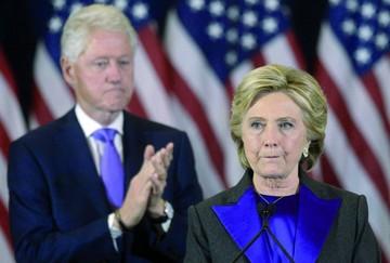 """Hillary admite """"dolorosa"""" derrota y pide oportunidad para Trump"""