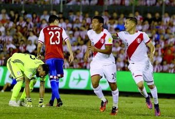 Perú reacciona y golea a Paraguay en Asunción