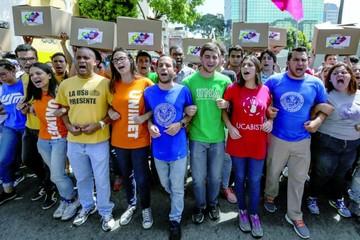 Venezuela: Tribunal rechaza reactivar el revocatorio a Maduro