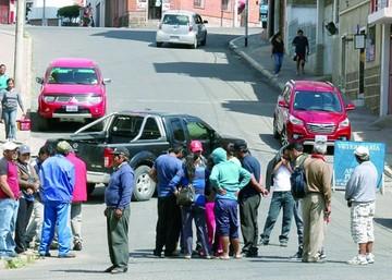 Junta de padres amenaza con radicalizar medidas